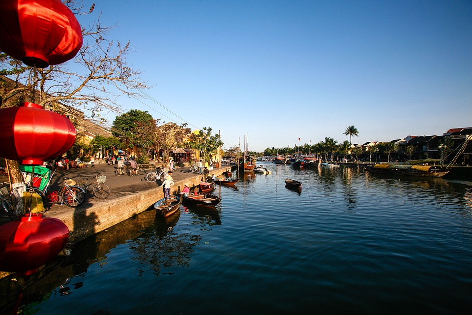 http://www.tours2you.com/vietnam-tour/
